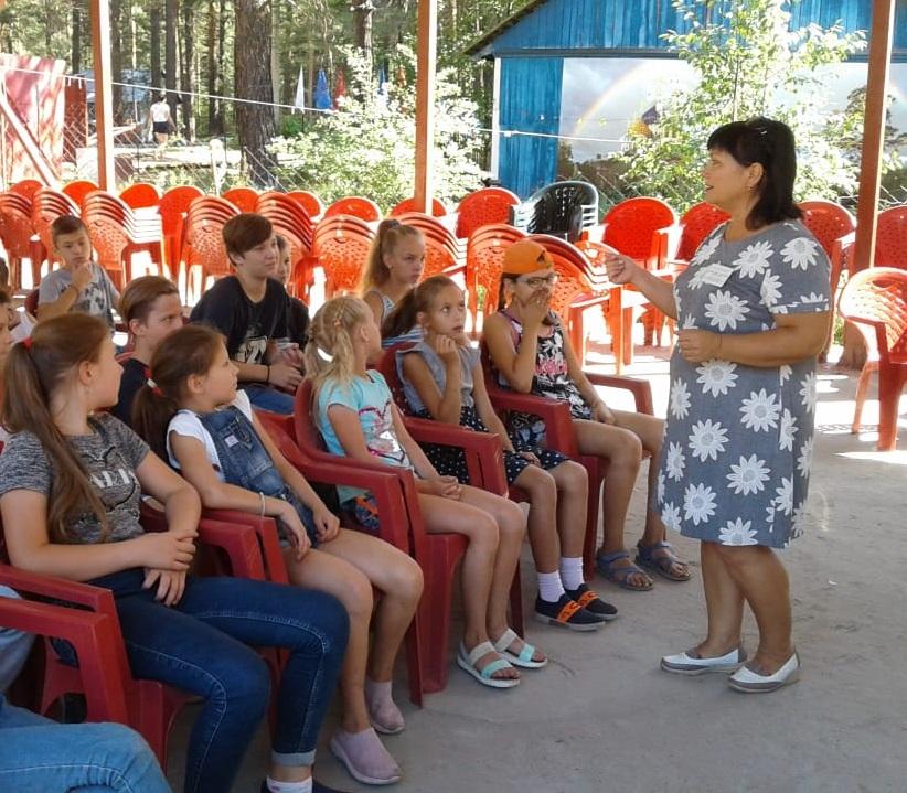Специалисты двух краевых медицинских центров побывали в детском лагере