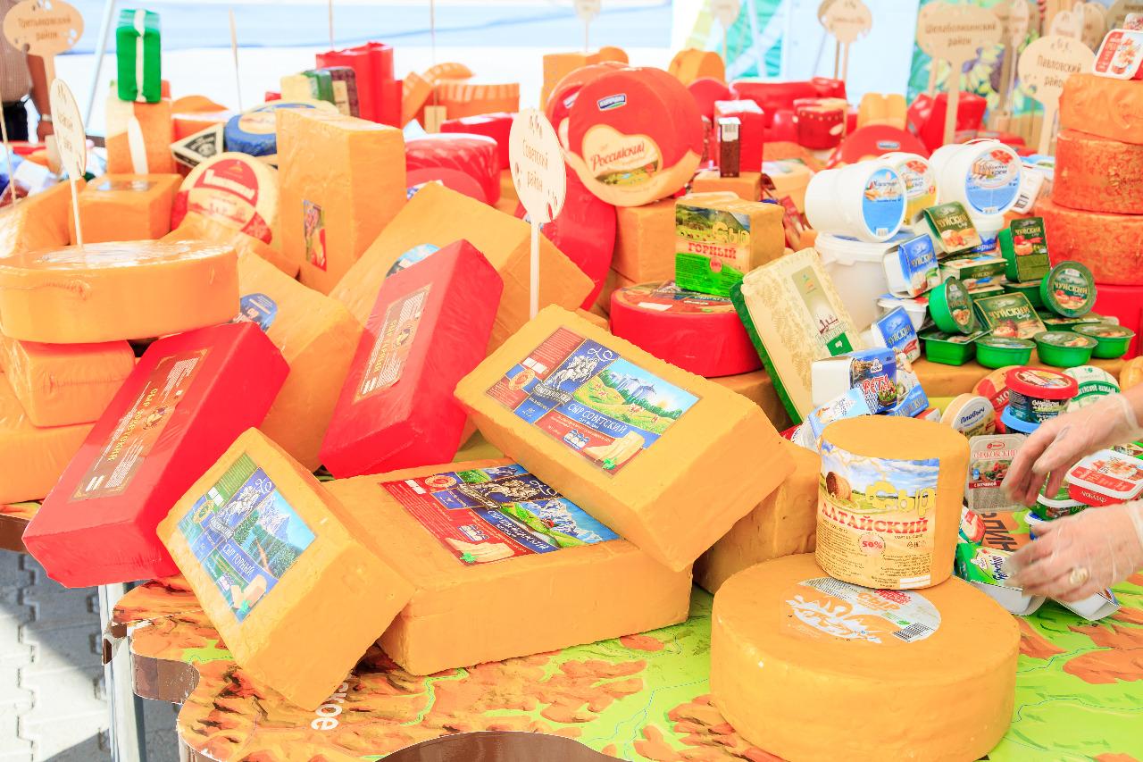Барнаульцев и гостей алтайской столицы приглашают посетить царство сыра