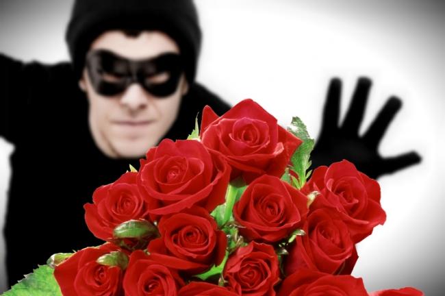 Столичному горе-романтику грозит 4 года тюрьмы за украденные цветы
