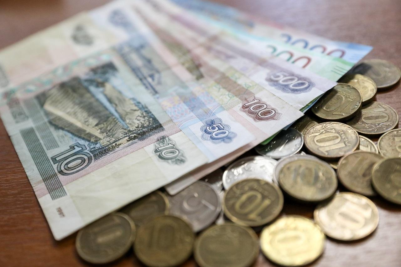 Почти 3 миллиарда рублей выплатили алтайским семьям за 6 месяцев текущего года