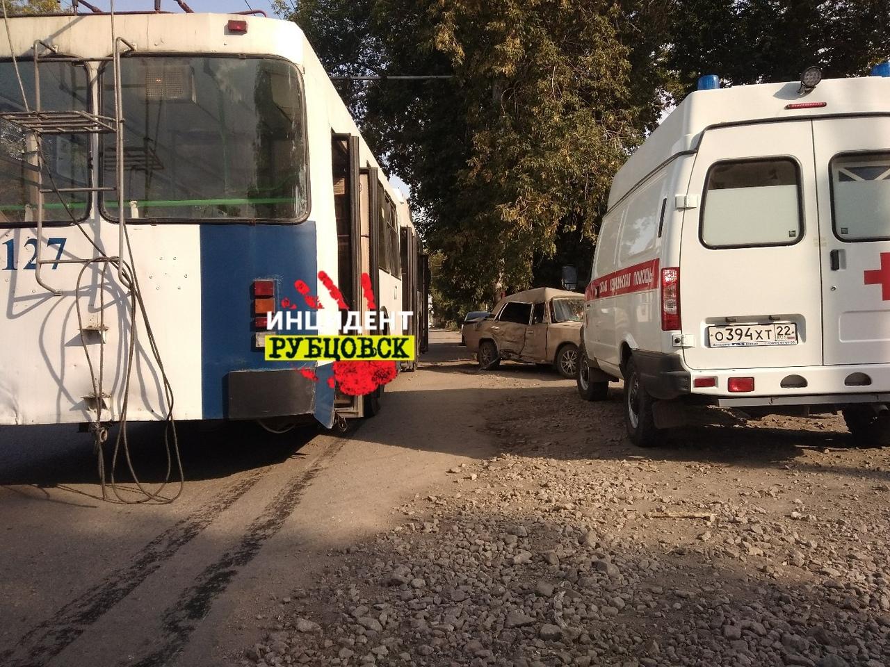 Ребёнок пострадал в ДТП с троллейбусом в Рубцовске