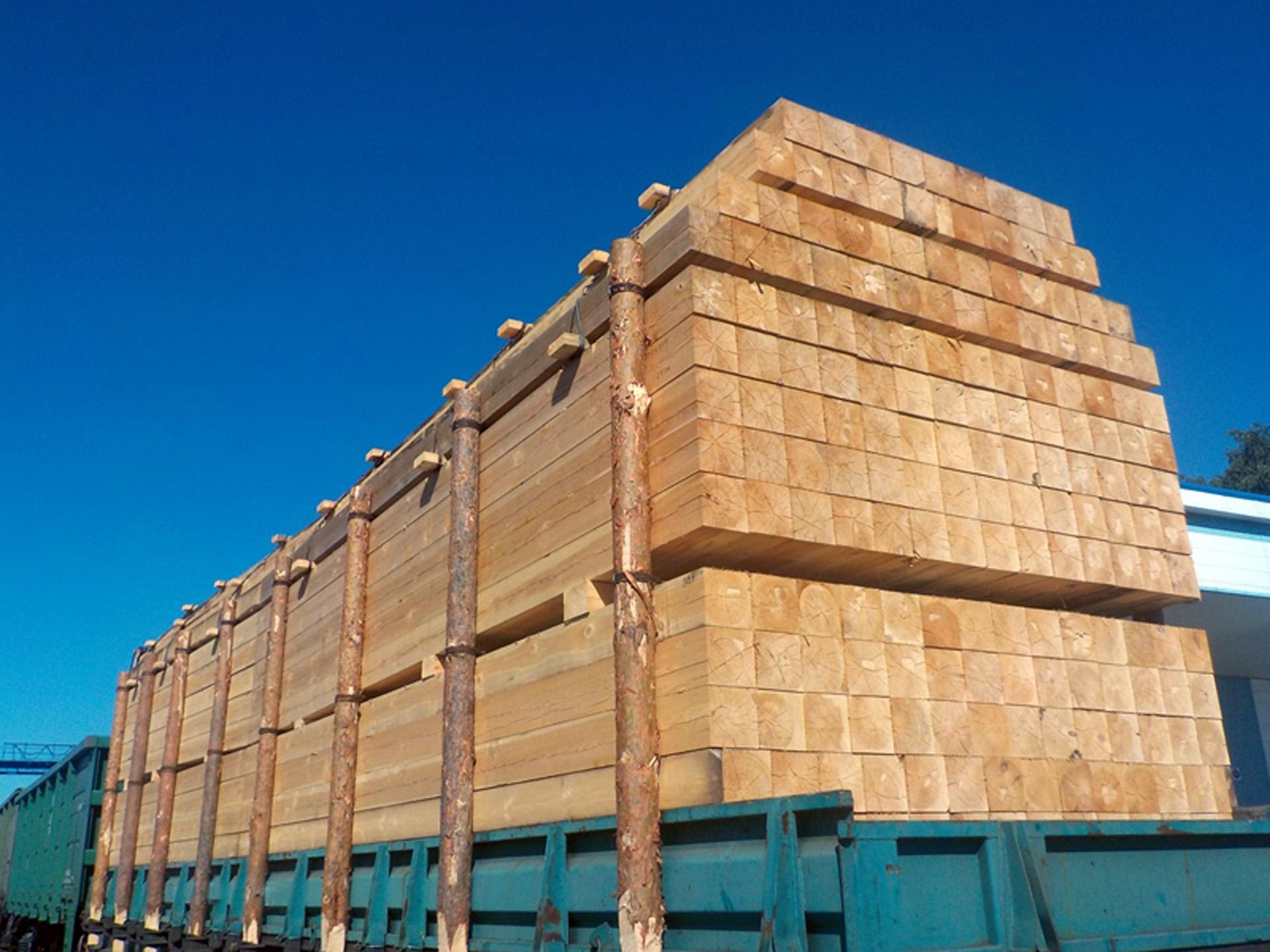 Экспорт лесоматериалов в регионе деятельности Алтайской таможни сократился
