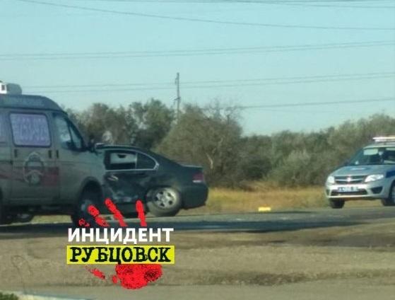 В Рубцовске 6-летний водитель угнал БМВ у родителей и попал в ДТП