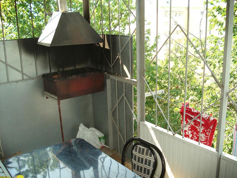 С 1 октября в России будет запрещено курить и жарить шашлык на балконе
