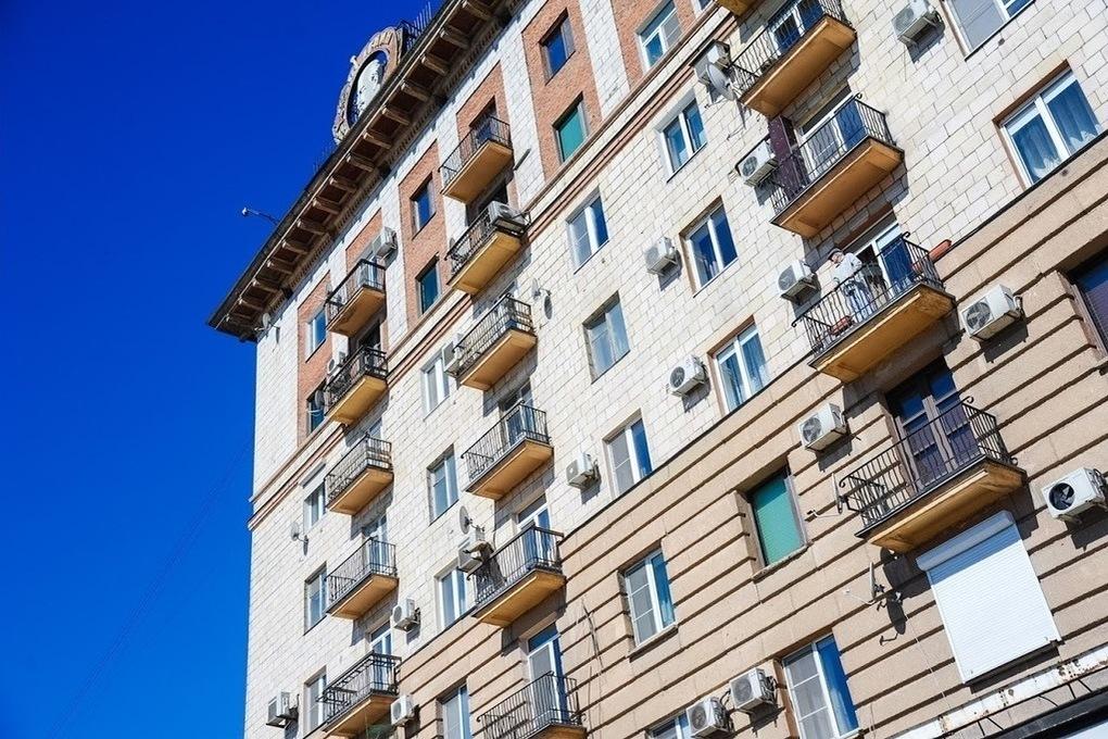 В МЧС опровергли запрет курения на балконах