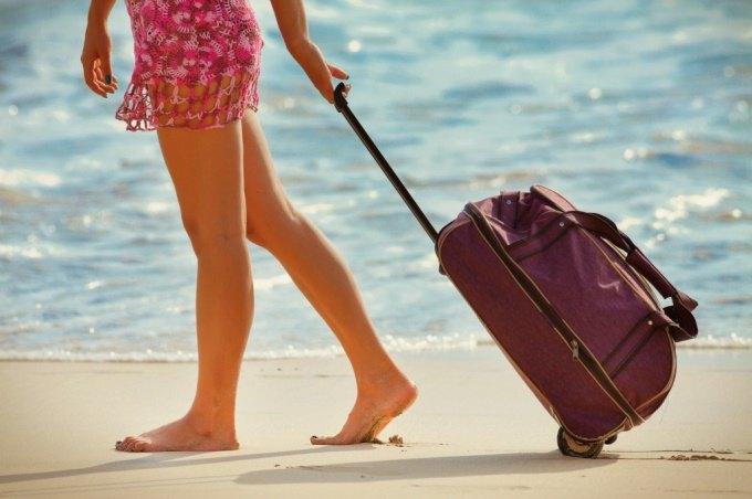 18% россиян готовы сорваться в отпуск, неожиданно получив приемию на работе