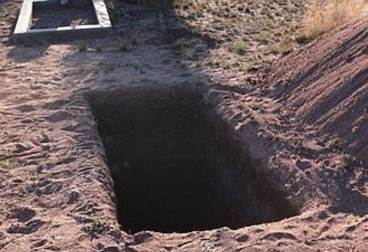 Несколько дней в Алтайском крае оставались не закопанными могилы безродных детей
