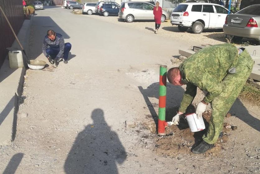 В Рубцовске инициативные жители заблокировали внутриквартальную дорогу