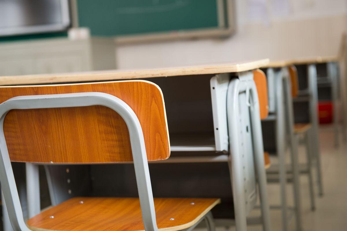Школы Рубцовска получат новую мебель