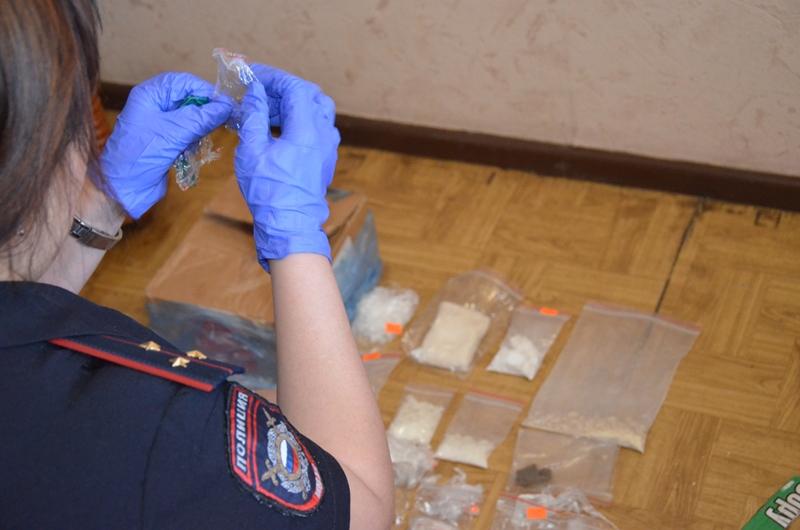 Наркотиков на 4 миллиона изъяли полицейские у местного жителя в Алтайском крае