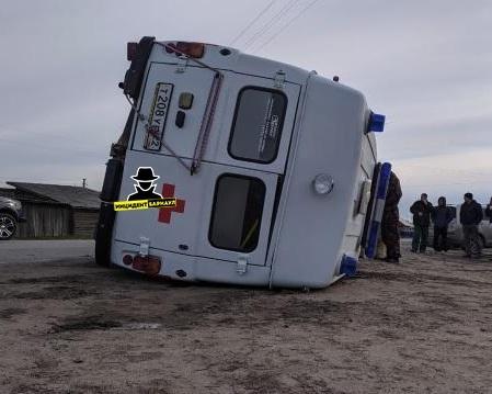 В Алтайском крае перевернулась карета «Скорой помощи»
