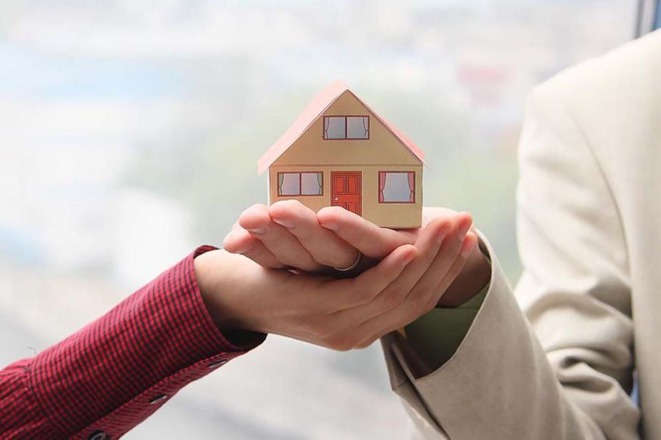 Порядка 5 тысяч владельцев недвижимости получили консультации