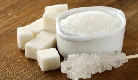 Медработники назвали приемлемую для детей каждодневную норму сахара